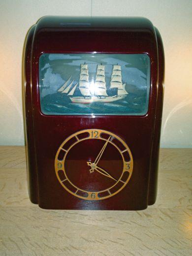 Art Deco Vitascope Clock | Bakelite | Gazelles of Lyndhurst